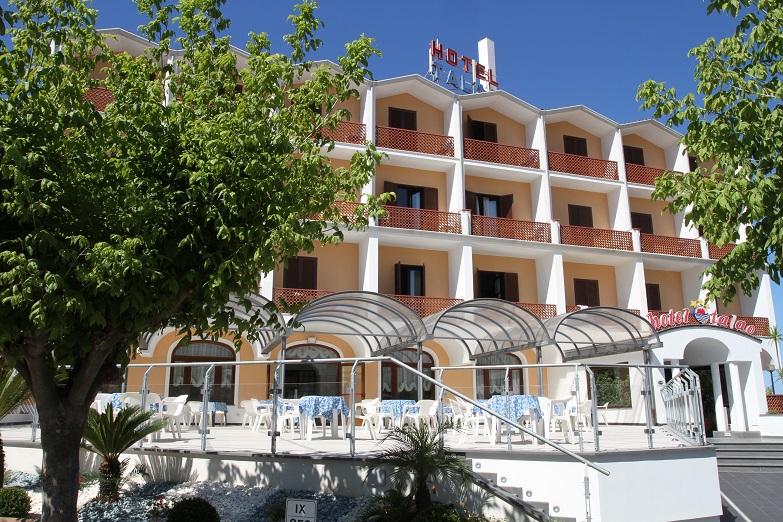 esterno-hotel-talao